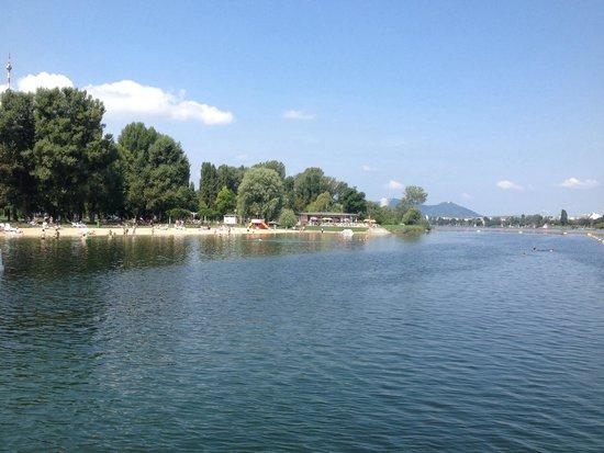Alte Donau: Visão do Cais do Bundesbad