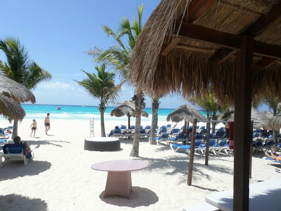 Viva Wyndham Maya: What a beach
