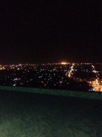 Star Hotel Semarang: City view from infinite pool