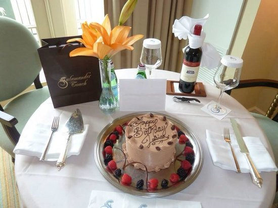 Salamander Resort & Spa : My delicious birthday cake made by the resorts pastry chef Jason
