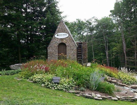 Seven Springs Mountain Resort : Resort Entry