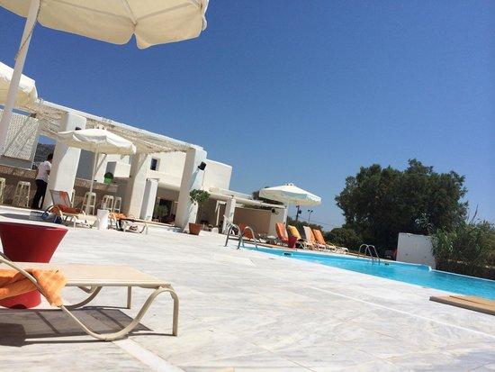 Archipelagos Resort Hotel: Hotel Pool & restaurant/Bar