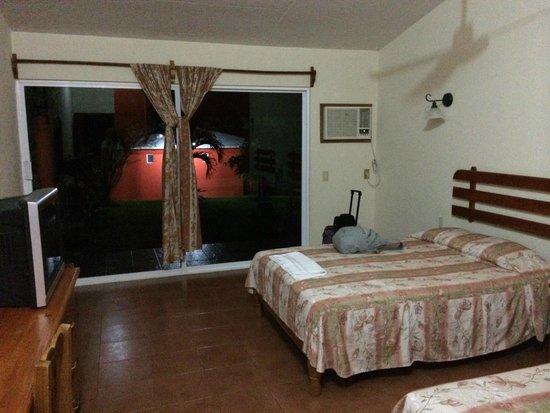 Hotel San Catarino Cabanas: Наш номер