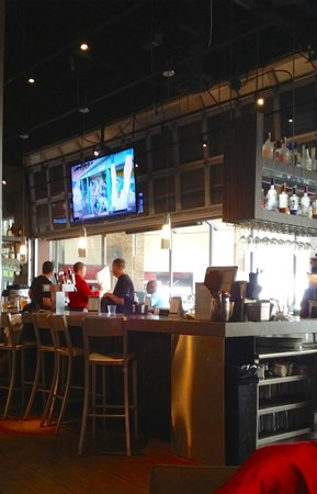 Kona Grill: Bar area