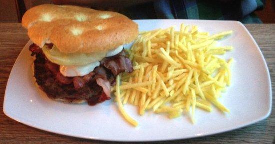 Restorant Uondas: Mmmhhh... le burger!