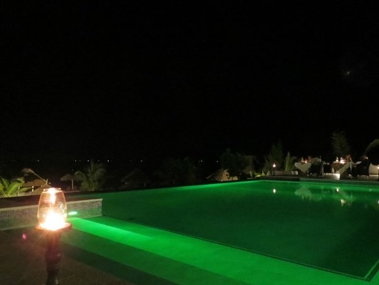 KonoKono Beach Resort : piscina