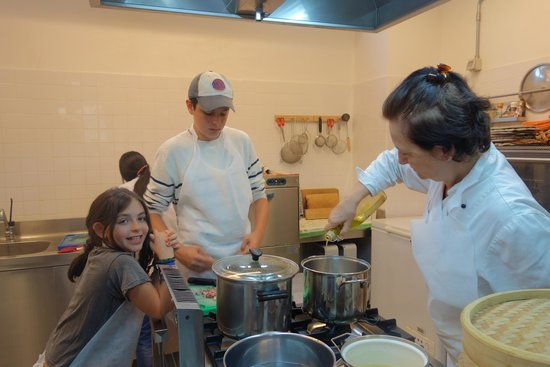 Giglio Cooking Day Course: Marcella demonstrating
