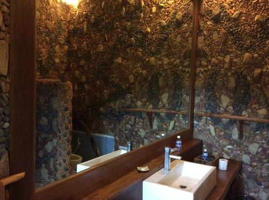 Veranda Natural Resort: bathroom