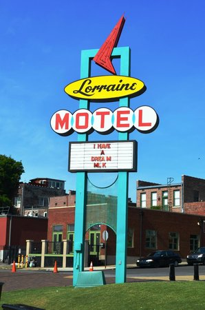 National Civil Rights Museum - Lorraine Motel: Lorraine Motel outside