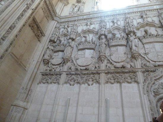 Monasterio de San Juan de los Reyes: Exemplar do estilo gótico tardio.