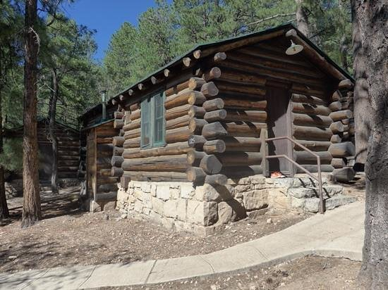 canyon the in breakfast az cabins autumnheader autumn lodging bed grand and near