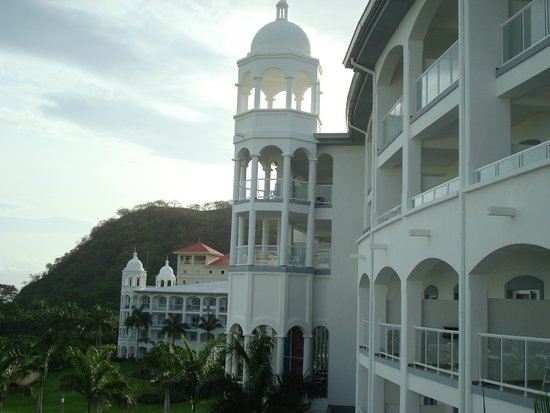 Hotel Riu Palace Costa Rica: View of Palace from deck