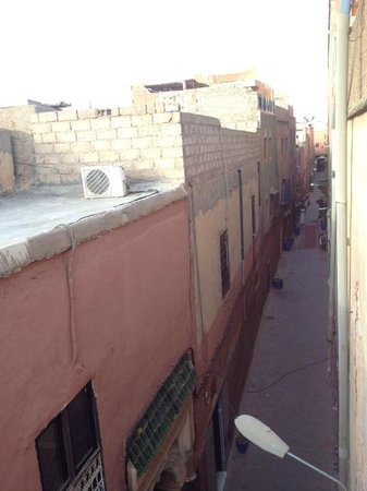 Riad Al Warda: The derb (alley) inside the medina outside the Riad