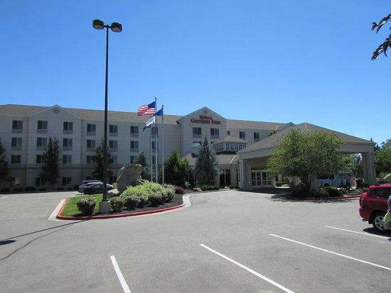 Hilton Garden Inn Boise Spectrum : Front of Hotel