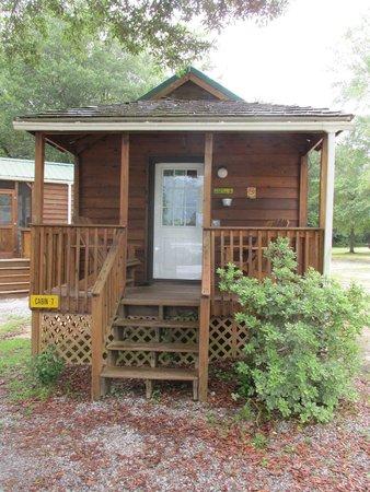 Milton / Gulf Pines KOA : Cabin #7 Sleeps 4