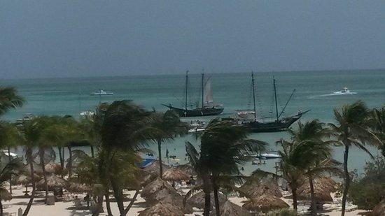 Marriott's Aruba Ocean Club: Pirate ships invading