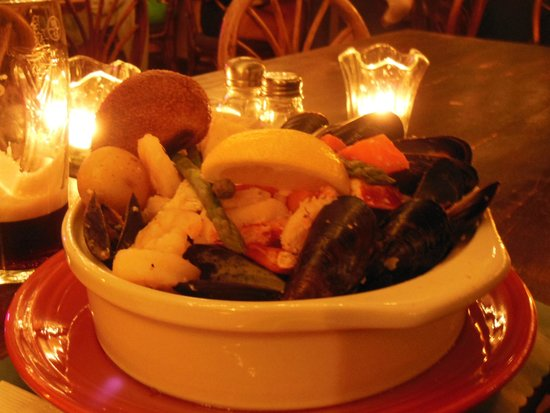 O'Shea's Olde Inne: Best sea food stew!!