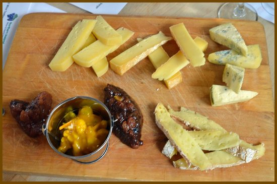 Holohans At The Barge: Irish cheese selection