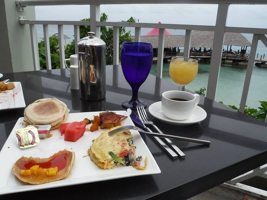 Sandals Ochi Beach Resort: Breakfast view