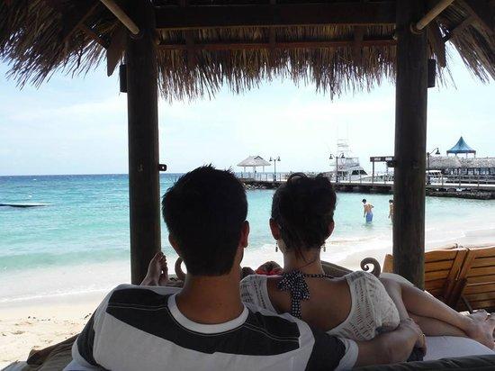 Sandals Ochi Beach Resort: View from our cabana