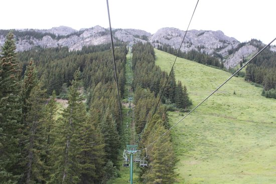 Mt. Norquay : Looking up to the top of the chair lift.
