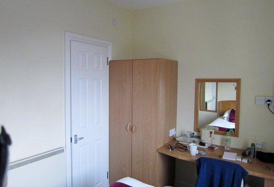 Chy-An-Albany: Single Room