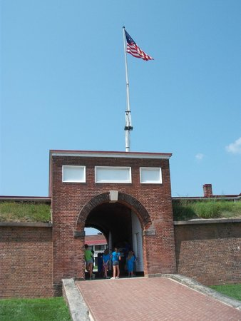 Fort McHenry National Monument : Front Gate