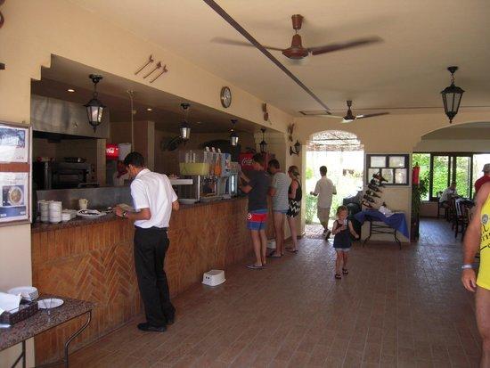 Jaz Lamaya Resort : Barek przy plaży