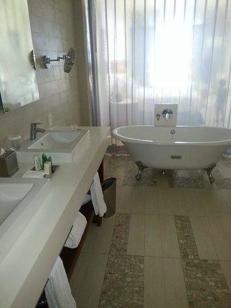 Hilton Puerto Vallarta Resort: el baño muy elegante