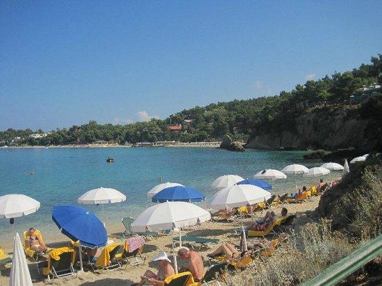 White Rocks Hotel & Bungalows: Private Beach
