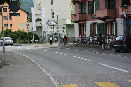 Stella Hotel Interlaken: Way to the hotel