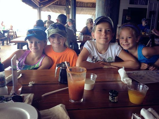 Island Fish Company : Girls LOVED their Chocolate Chip Pancakes!