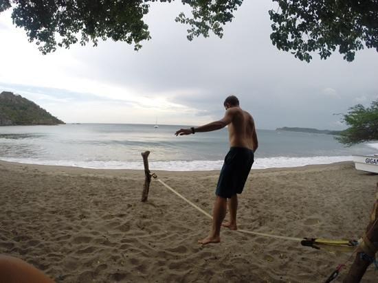 Gigante Bay: beach front slacklining!