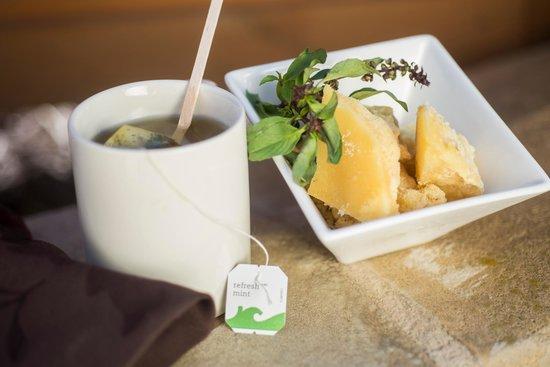 Sundara Inn and Spa: Jaggery Tea