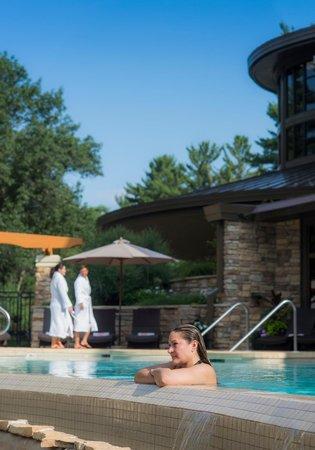 Sundara Inn and Spa: Heated outdoor infinity pool open year-round