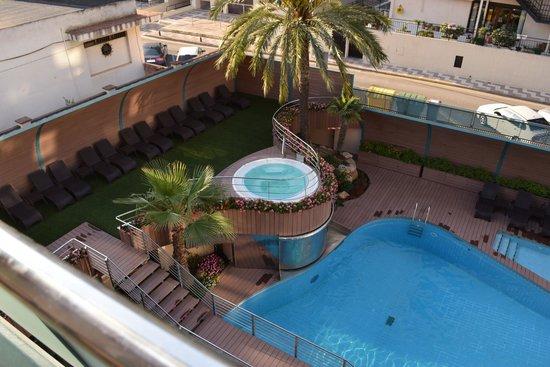 Hotel Kaktus Playa : бассейн