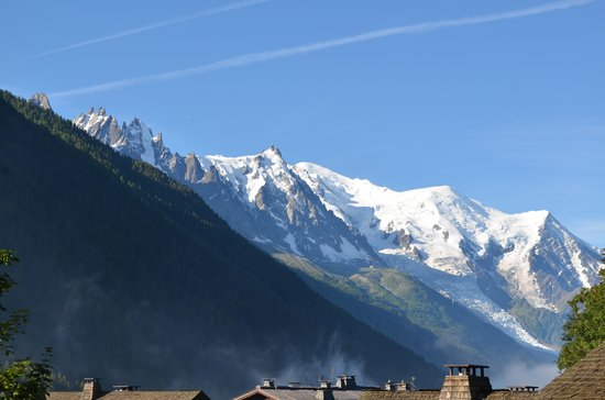 Yeti Lodge: View of Mont Blanc from the Lodge balcony