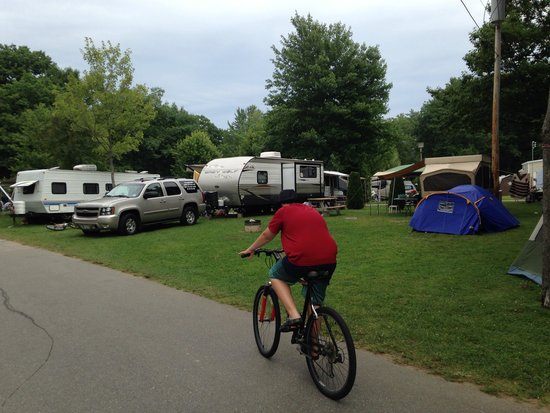 Powder Horn Family Camping Resort : Big camp sites