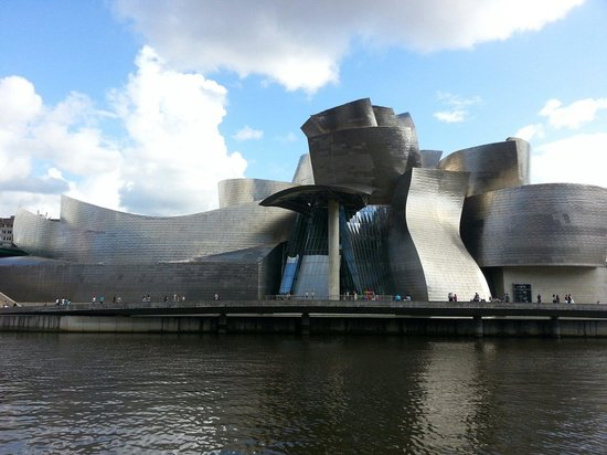 Museo Guggenheim de Bilbao: Magnifique architecture