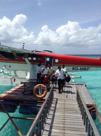 Adaaran Select Meedhupparu : seaplane
