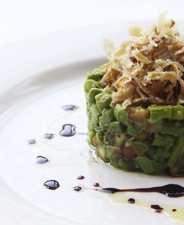 Metropolis Cafe: asparagus and avocado taretar
