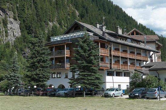 Hotel La Tambra : Aussenansicht