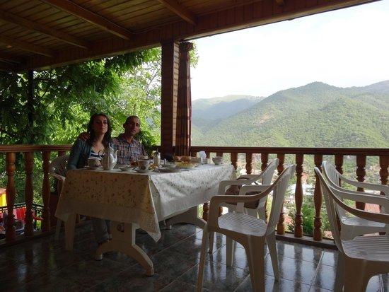 Casa Nova Hotel: Завтрак на веранде