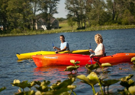 Castle in the Country Bed & Breakfast Inn: Complimentary Kayaks for guests at Castle in the Country