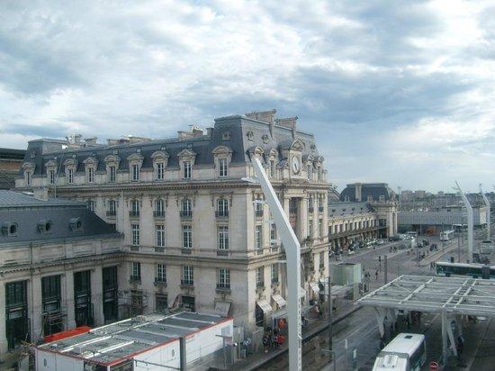 view from my room picture of ibis bordeaux centre gare saint jean euratlantique bordeaux. Black Bedroom Furniture Sets. Home Design Ideas