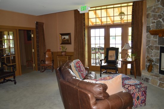 Lake Opechee Inn and Spa: Lounge