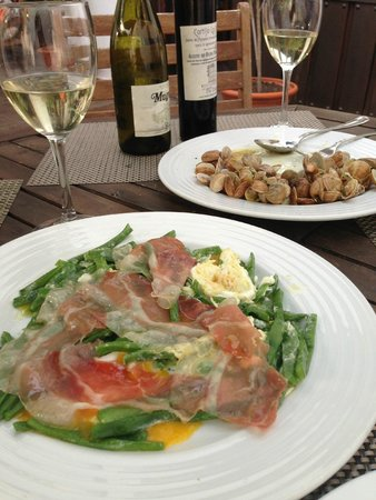 La Cantina de Diego: Best ever String beans with fried eggs and ham