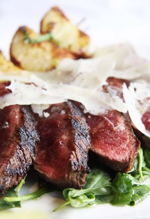Union Bar and Grille: tuscan steak