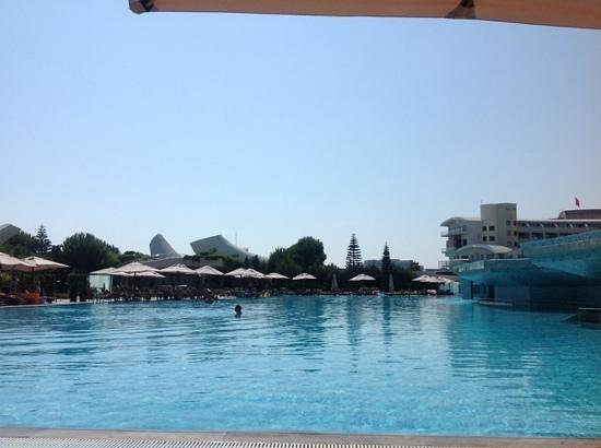 Cornelia Diamond Golf Resort & Spa: view from adult only part which is one of many swimming pools availible