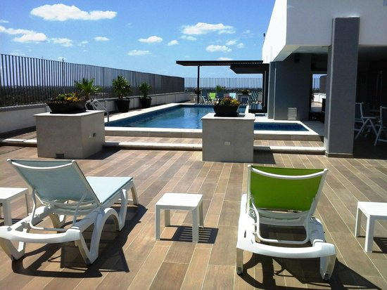 Hotel El Conquistador: piscina